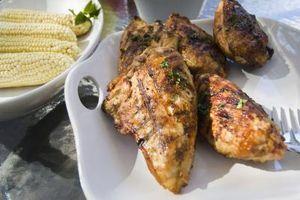 Buenas maneras para marinar pollo deshuesadas y sin piel para Hornear