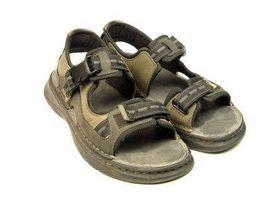 Cómo lavar las suelas de sandalias
