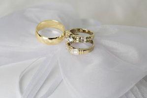 Cómo limpiar los anillos de oro sin brillo