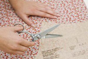 ¿Es usted tiene que utilizar tijeras dentadas para mantener la tela se deshilache?