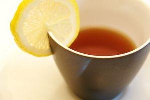 Cómo preparar té con un pote del émbolo