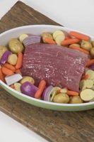 Cómo utilizar el vinagre de cocinar carne asada de crisol