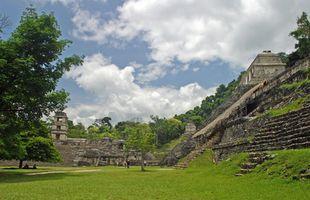 Cómo explorar ruinas mayas