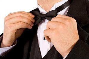 Cómo atar una corbata de lazo