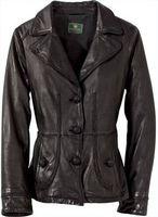 Cómo estirar una chaqueta de cuero