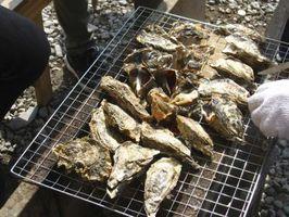 Los alimentos que van con las ostras cocidas al vapor