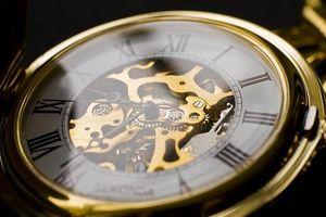 Cómo limpiar un reloj de marcación