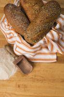 Las diferencias en el pan de harina y de la harina regular