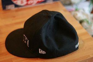 Cómo estirar un sombrero cabido Nueva Era