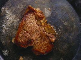 Cómo asar un bistec raro Medio