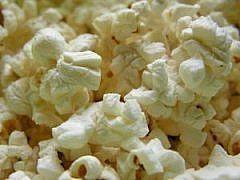 Como hacer palomitas de maíz con un sustituto saludable para la Mantequilla