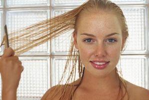 Cómo hacer una máscara de pelo Tratamiento hidratante para el cabello seco