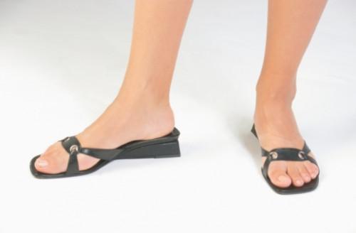 Cómo reparar un cuero Flip-Flop