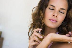 Cómo deshacerse del olor del perfume