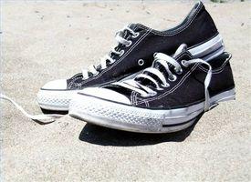 Como los zapatos de lona a prueba de agua
