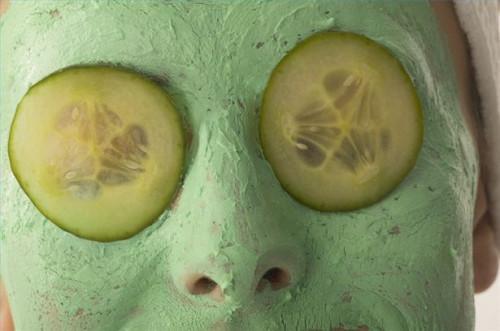 Cómo hacer casera extracto de regaliz aclarador de la piel