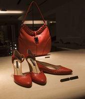 Cómo saber si un diseñador del bolso es falso
