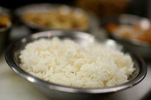 Cómo cocinar el arroz de grano largo Jasmine