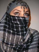 Cómo aplicar el maquillaje de la cara de las mujeres árabes