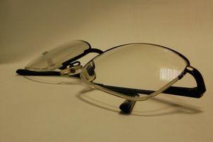 Cómo utilizar desinfectante en las lentes