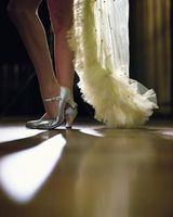 Cómo bailar en tacones sin caer