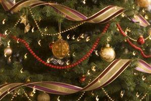 Cómo hacer repelente de gato para poner en un árbol de navidad