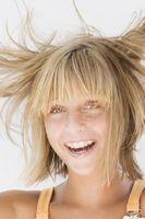 ¿Cómo deshacerse de la electricidad estática en el cabello