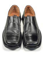 Cómo pulir los zapatos negro con blanco Hilos
