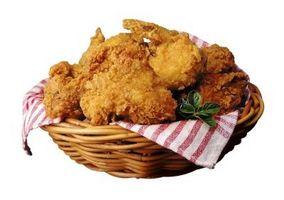Cómo mantener caliente el pollo frito y crujiente
