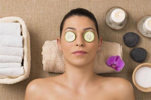 ¿Qué efecto tienen los pepinos tienen sobre los ojos?