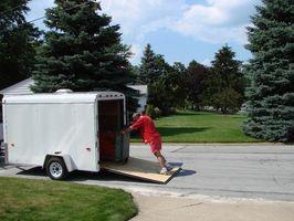Cómo alquilar un remolque para trabajo pesado cerrado Utilidad