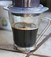 Cómo utilizar una máquina de hacer café y espresso Aeropress