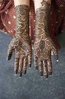 Cómo cuidar un tatuaje de henna