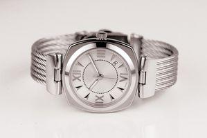 Cómo reemplazar los cristales del reloj Citizen