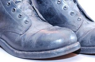 Cómo hacer botas militares más cómodo