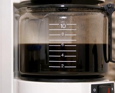 Cómo hacer café helado con una máquina de hacer helados