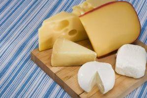 Las diferencias en Suiza vs. queso Cheddar