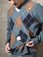 La forma de reparar los suéteres con agujeros de polilla utilizando hierro Ons
