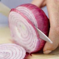 Cómo conservar una cebolla de corte de la mitad