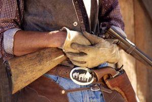 Cómo usar una pistola de la correa del vaquero