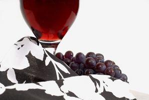 Cómo hacer casera sencillo de vinos de uva roja