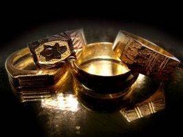 Cómo limpiar los anillos de oro