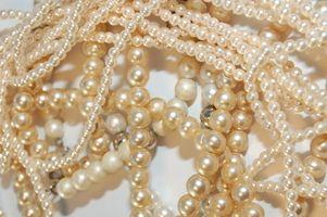 ¿Cómo las perlas se forman dentro de las almejas / Moluscos / ostras?
