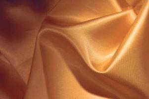 Cómo limpiar la tela de seda