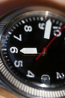 Cómo cambiar la hora en un reloj de Invicta Dragón Lupah