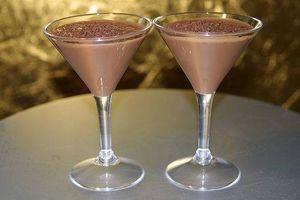 Cómo hacer un vodka martini de chocolate simple