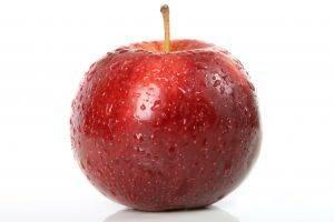 Como la cáscara y del corazón de las manzanas