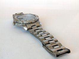 Cómo decirle a un auténtico reloj Movado