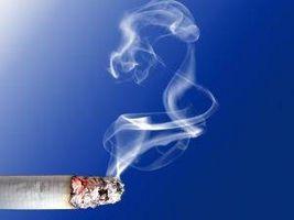 Cómo quitar las manchas de humo de cigarrillo