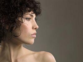 Tratamiento de aceite caliente para el pelo rizado
